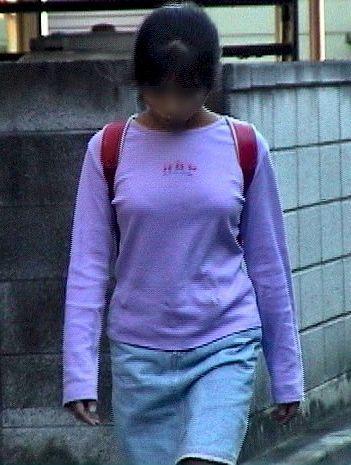 発育のいい女子小学生 高学年Js街撮り エロアングル