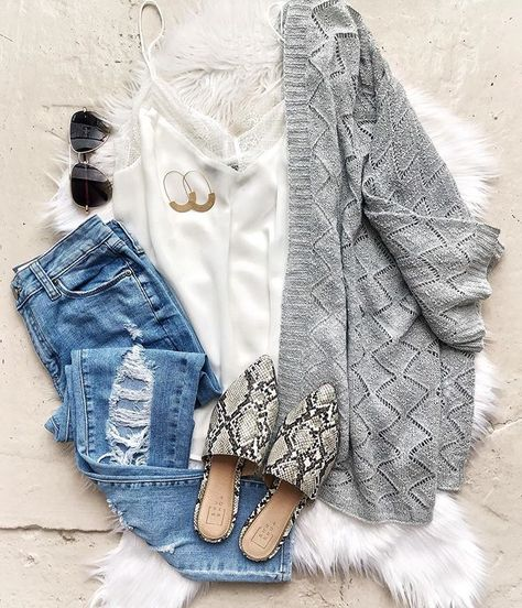 everyday outfits for moms,everyday outfits simple,everyday outfits casual,everyday outfits for women Fall Winter Outfits, Autumn Winter Fashion, Spring Outfits, Casual Outfits, Cute Outfits, Fashion Outfits, Weekend Outfit, Fall Wardrobe, Everyday Outfits