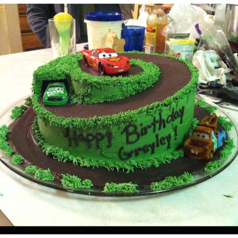 Luke would die Lightning McQueen Cakemaybe we could do this as