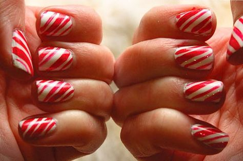 Candy cane nails - a guaranteed holiday party hit! #Christmas