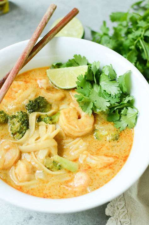 AD Shrimp Curry Noodle Soup - easy 15 minute Thai yellow curry soup with shrimp, rice noodles, and broccoli. #mycurrycuisine #blueelephant