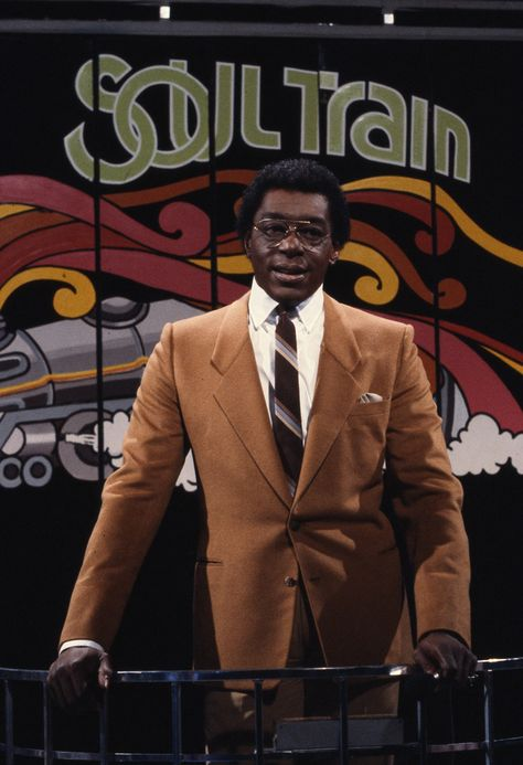 cewax aime les vêtements hommes ethniques, Afro tendance, Ethno tribal Men's fashion, african prints fashion - (NEFER HERITAGE) Don CORNELIUS is the instigator of the most creative TV show of the to the present day, with the famous SOUL TRAIN program. 1970s Tv Shows, Old Tv Shows, Soul Music, Music Tv, Dance Music, I Love Music, Style Ethnique, Soul Train, Hip Hop