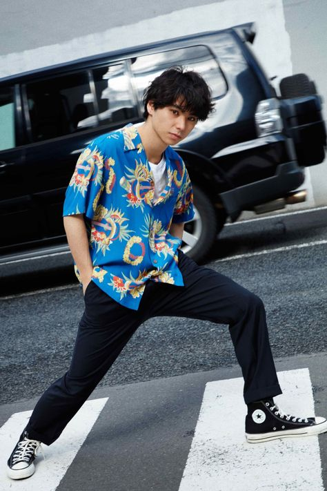 'GRIND' Magazine's Latest Editorial Highlights WACKO MARIA's Spring/Summer 2018 Collection: Spotlighting key pieces from the expansive range. Vintage Shirts, Vintage Men, Estilo Vans, Floral Shirt Outfit, Future Clothes, Japanese Men, Dope Outfits, Spring Summer 2018, Look Cool