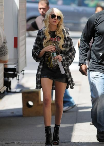 Taylor Momsen, don't know if I love her fashion, or if I just want her legs...