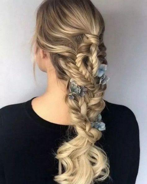 Lovely Hairstyles Ideas For Girl #hairstyleideas #girlhairstyle » aesthetecurator.com