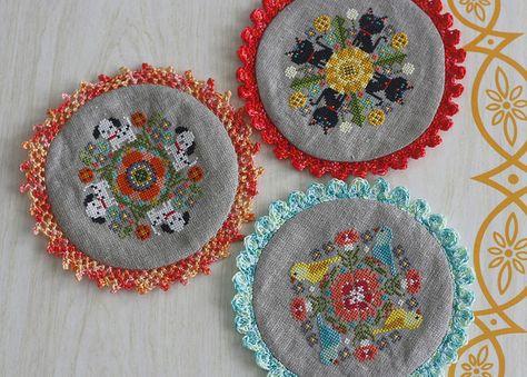 Doilies Pattern dbky Gera, stitched by twinfibers ...... Cross stitch + Crochet edging