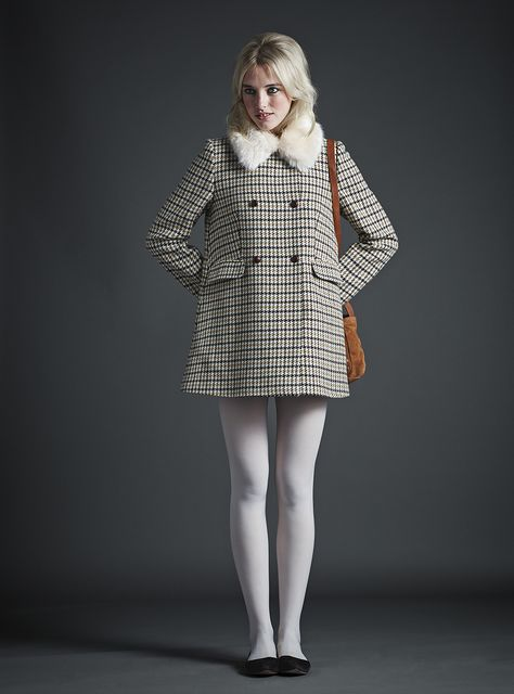 jack wills, white tights, dogtooth coat, ballet flats, fur collar, satchel, 60s, style, winter, fashion