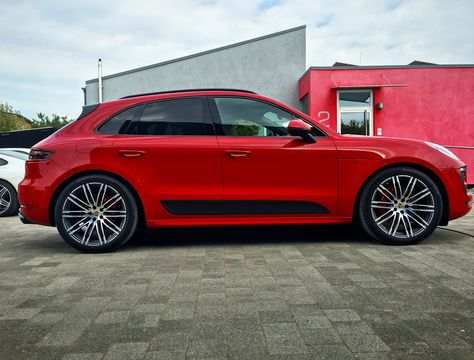 Macan GTS - lowered by Airsuspension & Module
