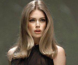 Vogue Korea, Vogue Spain, 90s Haircuts, 90s Hairstyles, V Magazine, Christy Turlington, Hair Inspo, Hair Inspiration, Doutzen Kroes