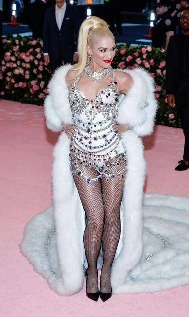 Gwen Stefani 3 Pics With Images Fashion Gwen Stefani Met Gala
