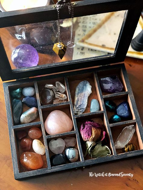 Crystal Storage and Keepsake Box witchcraft magic 572731277610372357 Crystal Box, Crystal Magic, Crystal Altar, Crystals And Gemstones, Stones And Crystals, Crystal Room Decor, Crystal Bedroom, Wicca, Plain Wooden Boxes