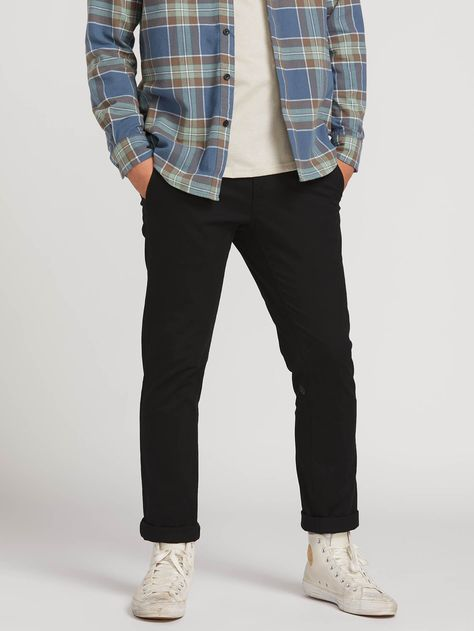 From T-shirts, to jackets, swimwear and pants, find the latest Fall men's fashion at Volcom. Shop our selection of casual men's tops and bottoms today! Mens Chino Pants, Men's Pants, Slim Chinos, Men's Chinos, Retro Outfits, Guy Outfits, 90s Outfit Men, Vintage Outfits, Summer Outfits