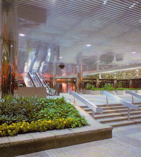 "✧ on Twitter: ""80's mall interiors… "" Vintage Interior Design, Vintage Interiors, Retro Design, Dead Malls, Cool Optical Illusions, True Homes, Shopping Malls, Retro Home Decor, Shopping Center"