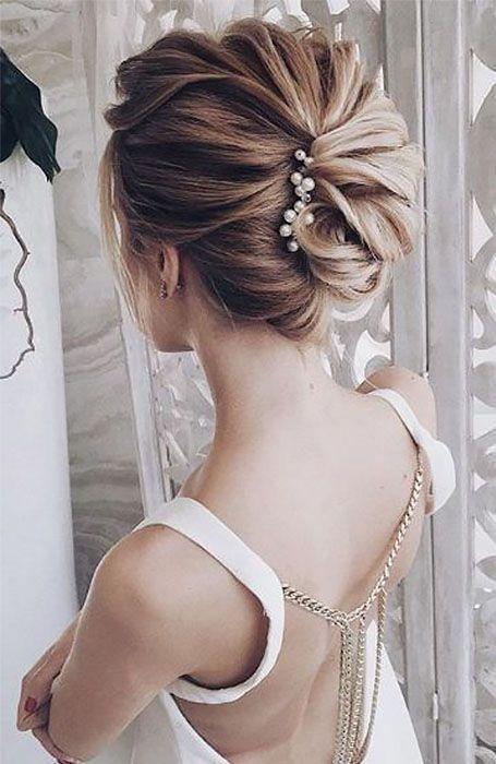 20 Stunning Updos For Short Hair Wedding Hair Inspiration Short Hair Updo Up Dos For Medium Hair