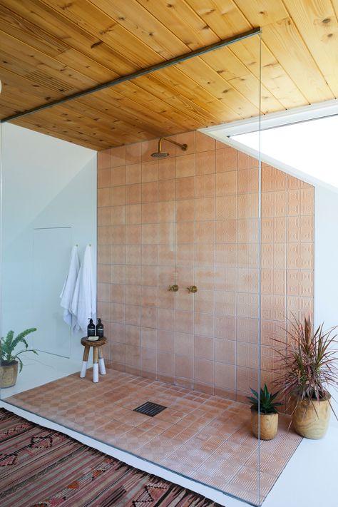 Minimalist Home Interior .Minimalist Home Interior Architectural Digest, Tuscan Bathroom, Bathroom Interior, Bathroom Wall, 1950s Bathroom, Skylight In Bathroom, Bathroom Ideas, Spanish Bathroom, Spanish Style Bathrooms