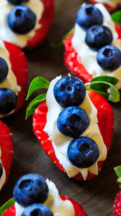 and Blue Cheesecake Strawberries Red, White, and Blue Cheesecake Strawberries make a festive of July treat.Red, White, and Blue Cheesecake Strawberries make a festive of July treat. 4th Of July Desserts, Fourth Of July Food, 4th Of July Celebration, Just Desserts, Dessert Recipes, July 4th, Memorial Day Desserts, Patriotic Desserts, 4th Of July Party