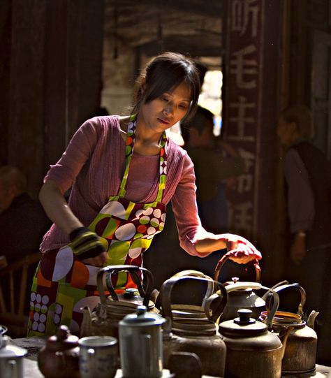 Drinking tea in Chengdu, a real tea culture city in China  http://www.easytourchina.com/blog-v1130-top-places-in-china-to-enjoy-tea