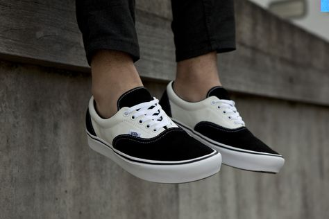 Vans UA ComfyCush Era Wit Heren in 2019 Vans sneakers