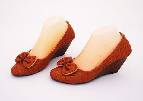 Sepatu Wedges Ribbon Cute Elegan Casual Warna Coklat Bahan