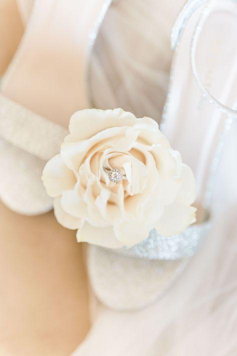 Glitter bridal wedding heels for a summer wedding. #weddingaccesories #weddingshoes #summerwedding