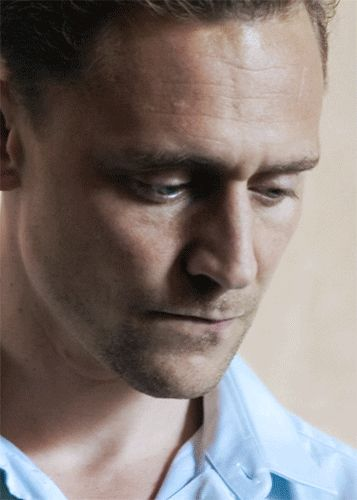 """palladicannoneaccesa: """"I was living half a life when you met me. I've got nothing to lose Tom Hiddleston (as Jonathan Pine) in 'The Night Manager', TV series: Ep """""""
