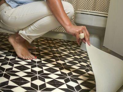 What Is The Difference Between Vinyl And Linoleum Flooring 1000 In 2020 Bathroom Vinyl Floor Makeover Vinyl Flooring Bathroom