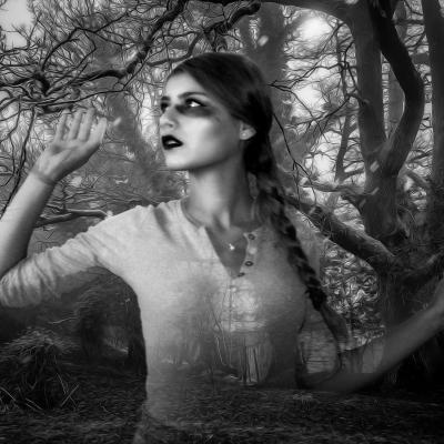 رؤية من تحب في المنام بعد الفراق Scary Woods Ghost Most Haunted Places