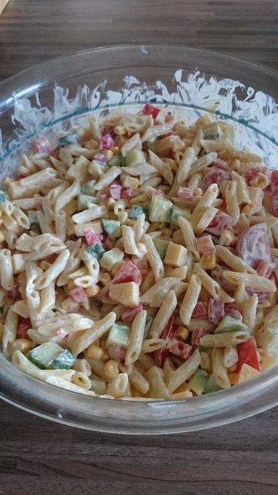 Bunter Nudelsalat mit Crème fraiche, ein schönes Rezept mit Bild aus der Kategorie Reis/Nudeln/Getreide. 12 Bewertungen: Ø 3,9. Tags: Party, Reis- oder Nudelsalat, Salat