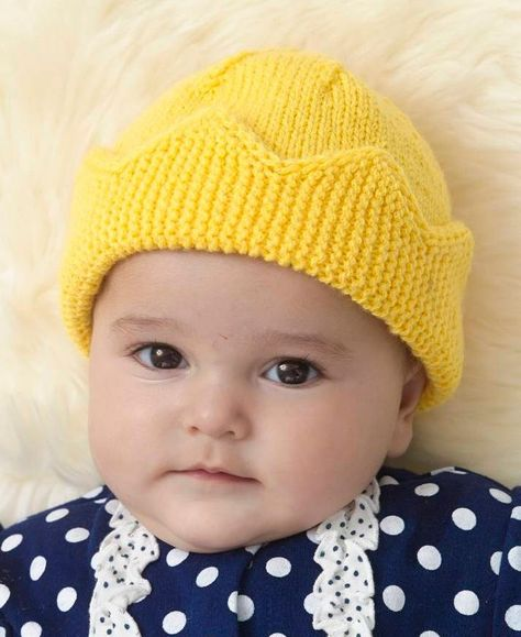 Free Knitting Pattern for Baby Crown Hat - This fun hat by Linda Cyr comes  in two sizes. The crown brim is knit flat and the stitches are picked up  for the ... 01eed26a1ea