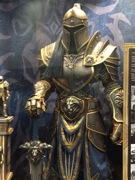 Awesome WARCRAFT Movie Armor on Display at Comic-Con — GeekTyrant #freereadingincsites Awesome WARCRAFT Movie Armor on Display at Comic-Con — GeekTyrant