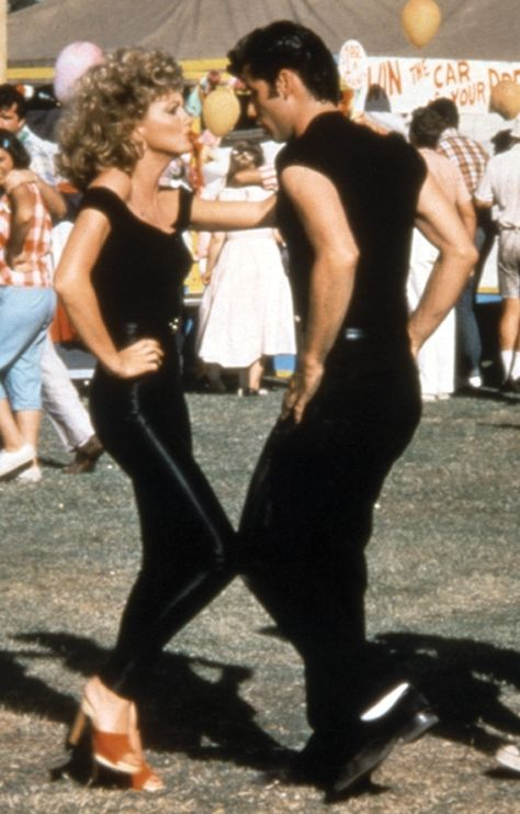 Danny From Grease Halloween Costume Grease Sandy, Grease Movie, Sandy From Grease Costume, Grease 1978, Sandy Costume, Grease Halloween Costumes, Hallowen Costume, Grease Couple Costumes, 70s Fashion
