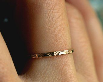 Pin By Julia Donnini On Jewels Dainty Gold Rings Skinny Gold Band Gold Rings