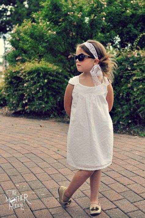 Sundress tutorial with free pdf pattern - no closures make this dress perfect for beginners!
