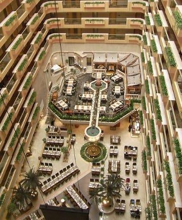急ピッチで建設されている地下都市 高山清洲 世界平和 人類みんな兄弟 地下 都市 建設