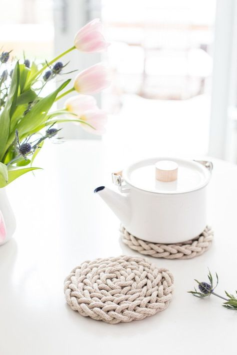 DIY Finger Knit Rope Trivet Tutorial   Flax and Twine