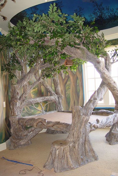 now there is a tree bed. a glorious tree bed at that. hang me some ornaments & yes. wowwwwwwww now that's a bed Tree Bed, Tree Canopy, Tree Forts, Pvc Canopy, Backyard Canopy, Garden Canopy, Door Canopy, Fabric Canopy, Canopy Lights