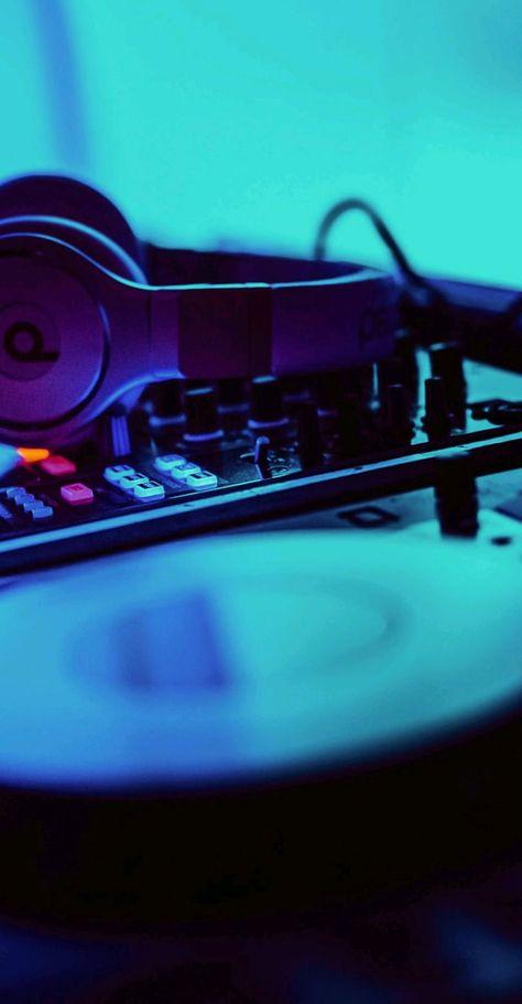 DJ set wallpaper
