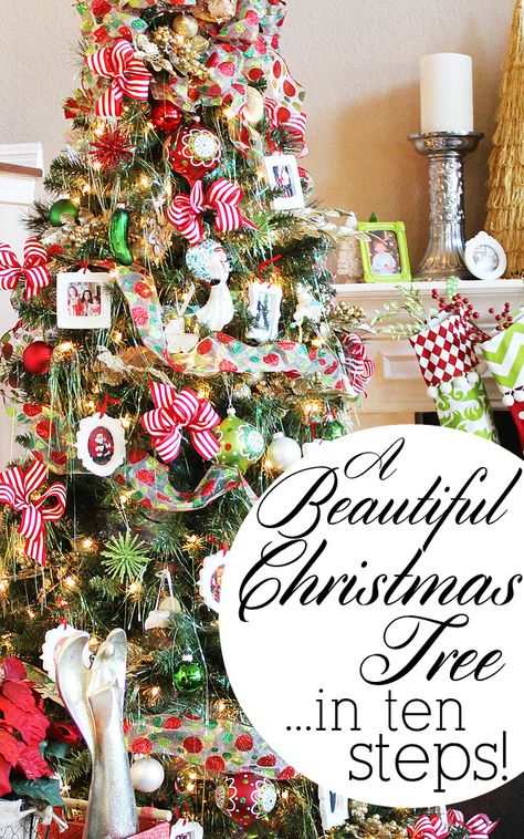 How to decorate a beautiful Christmas tree in 10 easy steps. #MichaelsMakers @splendidamy