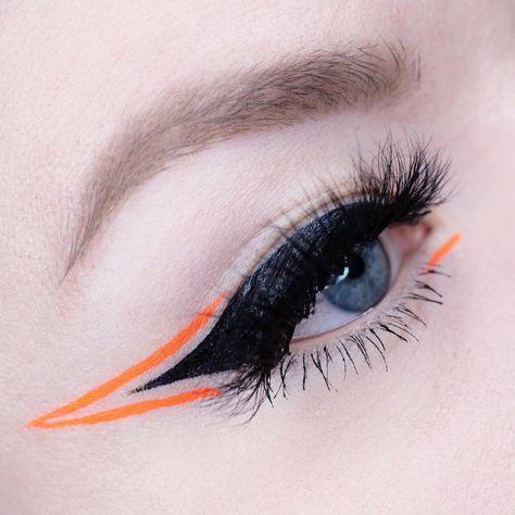Graphic liner and neon details : MakeupAddiction Bold Eye Makeup, Asian Eye Makeup, Retro Makeup, Eye Makeup Art, Makeup Inspo, Makeup Inspiration, Men Makeup, Graphic Makeup, Graphic Eyeliner