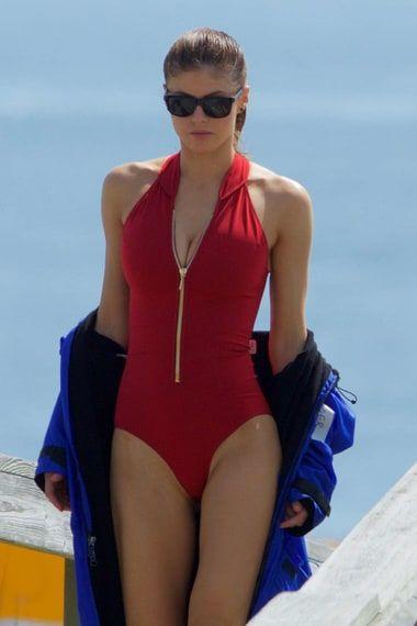 The Age Of Alexandra Daddario List Alexandra Daddario Baywatch