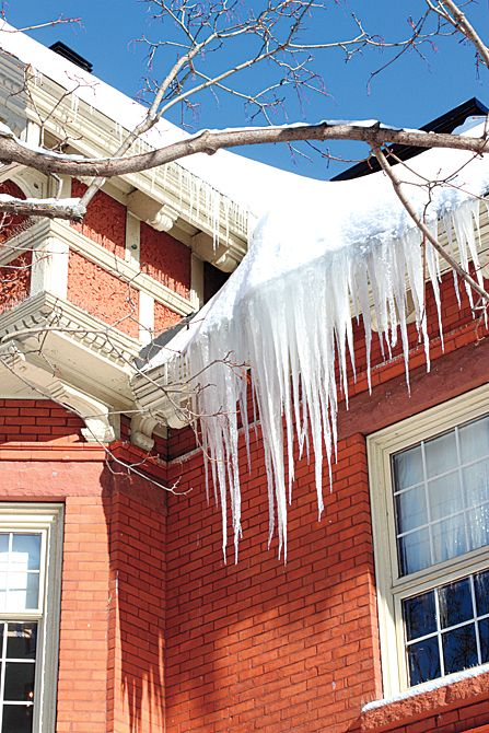 How To Get Rid Of Ice Dams Fast Ice Dams Old Houses Ice Dam Removal