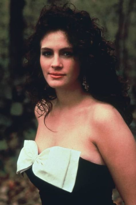 Julia Roberts Her Very First Major Success Was In The Independent Film Mystic Pizza 1988 She Was Also Featured In Julia Roberts Movies Julia Roberts Julia