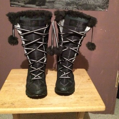 c2f442fa050 Snow boots Nike Never been worn. Brand new. Cute and snow boots Nike Shoes  Winter   Rain Boots