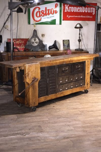 Renaud Jaylac Brocantes Antiquites Industrielles Meuble De Metier D Atelier En 2020 Decoration Style Industriel Meuble De Metier Meuble Factory