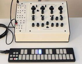 Qunexus Usb Midi Cv Mini Keyboard Controller For Synthesizer Keith Mcmillen Instruments Mini Keyboard Synthesizer Keyboard