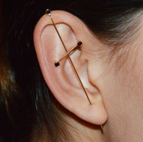 Three Pointer Onyx and Gold Needle Earring