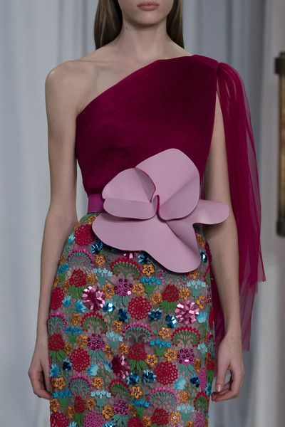Delpozo, Fall 2018 - The Most Colorful Runway Details From London Fashion Week, Fall 2018 - Photos