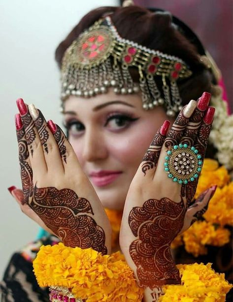 Latest and Unique Awesome Mehndi Designs 2016
