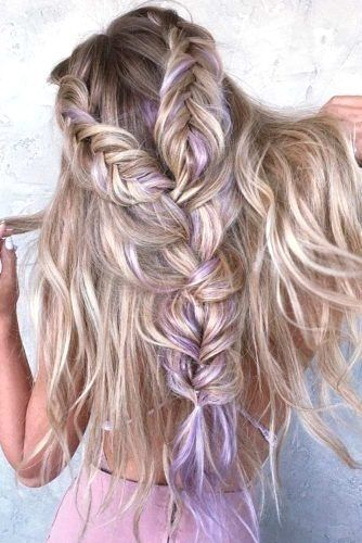 15 Perfect Prom Hairstyles Down To Make You The Queen Of The Ball My Stylish Zoo Haircolor Hairtype Men Wome Hair Styles Prom Hair Down Long Hair Styles