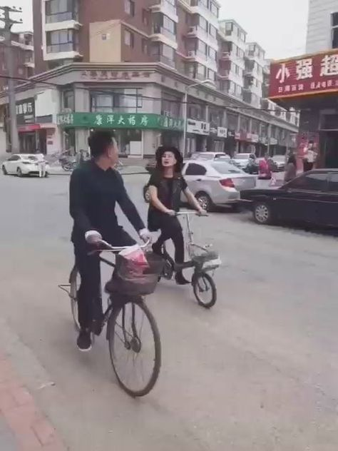 #Videos  - Asian lady distracts guy on bicycle – the latest #funny backgrounds , #funny hellos , #funny to , #humor hilarious , #videos